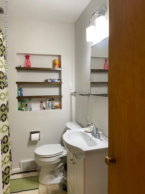 2771 Roseland Ave - 1st Floor Bath 2 - 9