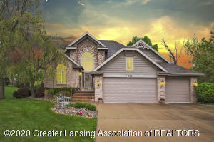 1805 Canyon Trail, Lansing, MI 48917