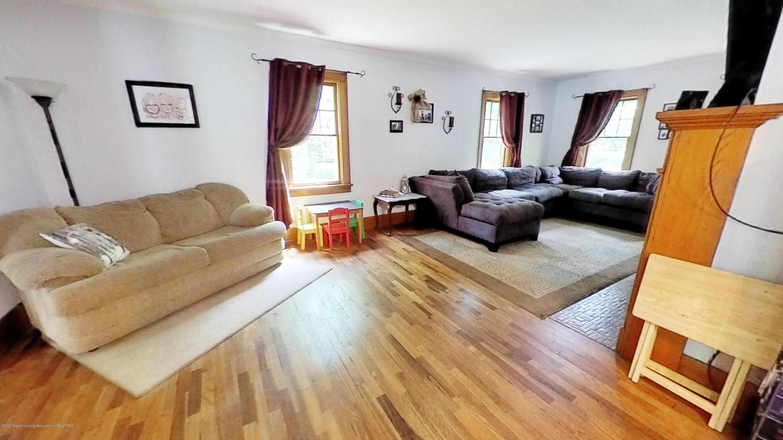 307 S Oakland St - 307-S-Oakland-St-Living-Room(1) - 7