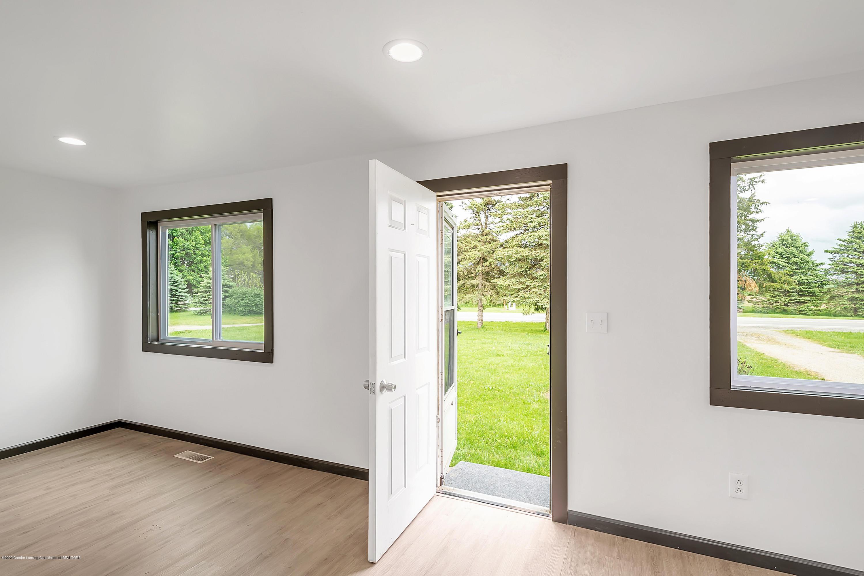 4458 M-52 - Living Room - 6