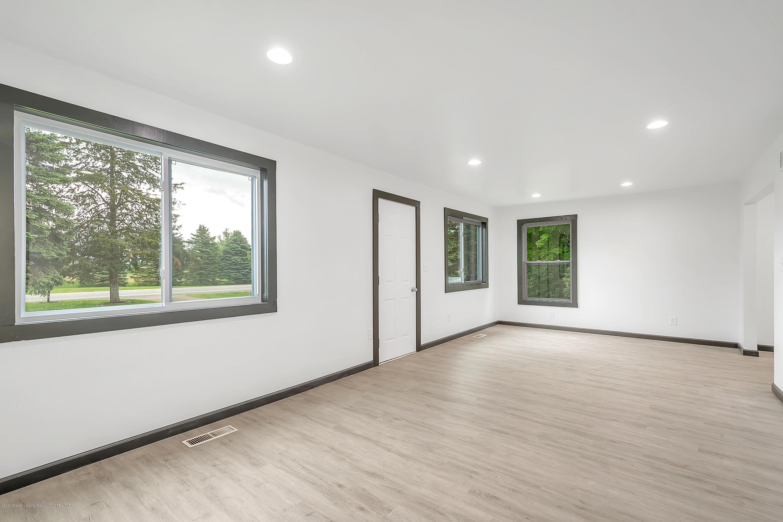 4458 M-52 - Living Room - 7
