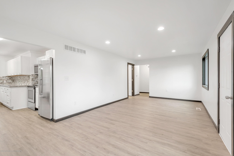 4458 M-52 - Living Room - 8