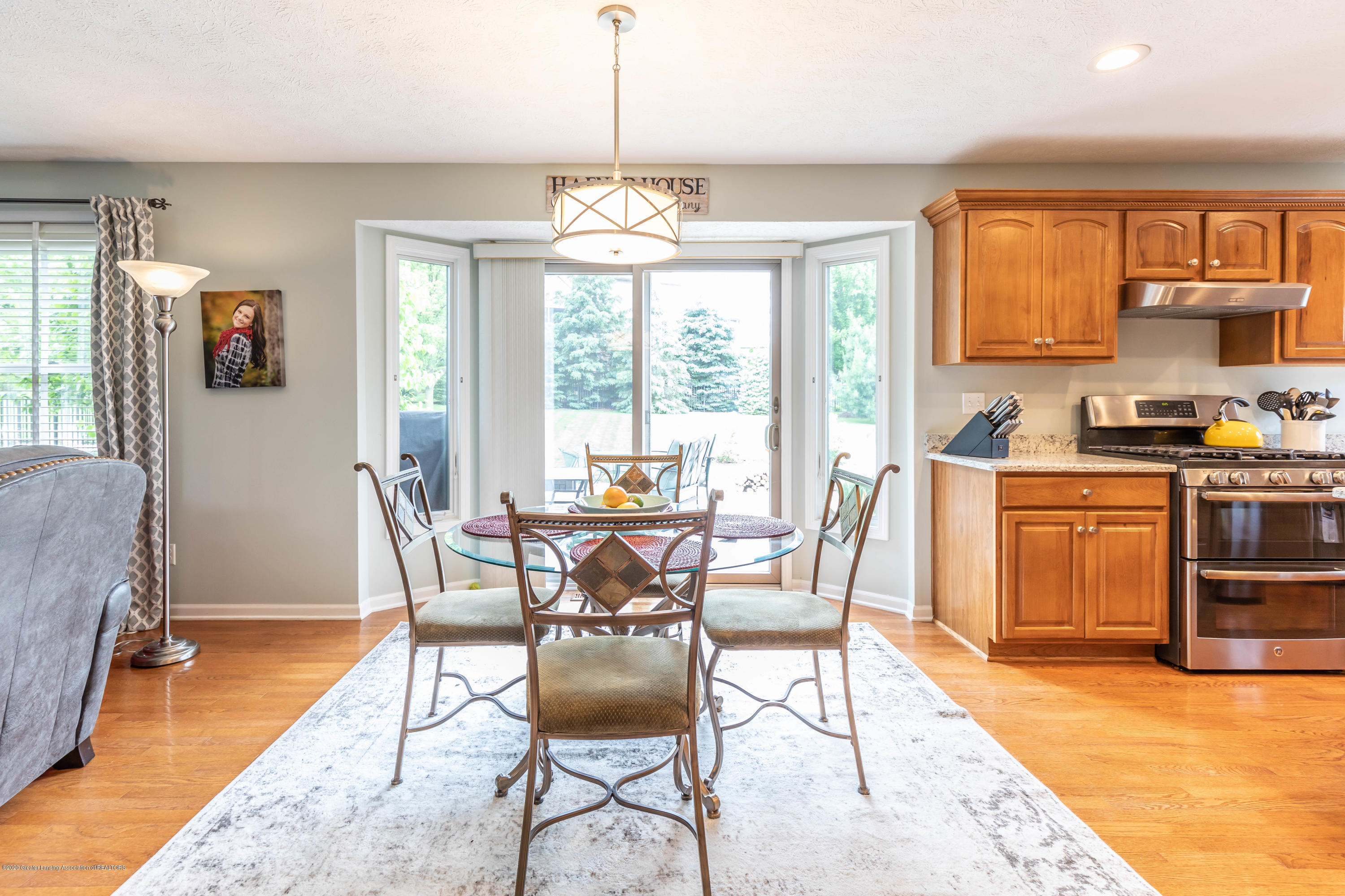 3098 Granview Ln - granviewdining (1 of 1) - 13