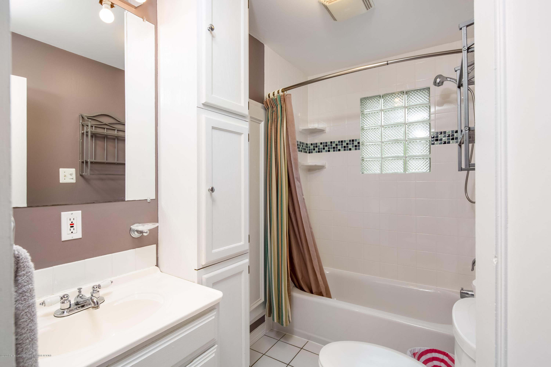 1531 Snyder Rd - 1st Floor Full Bathroom - 12