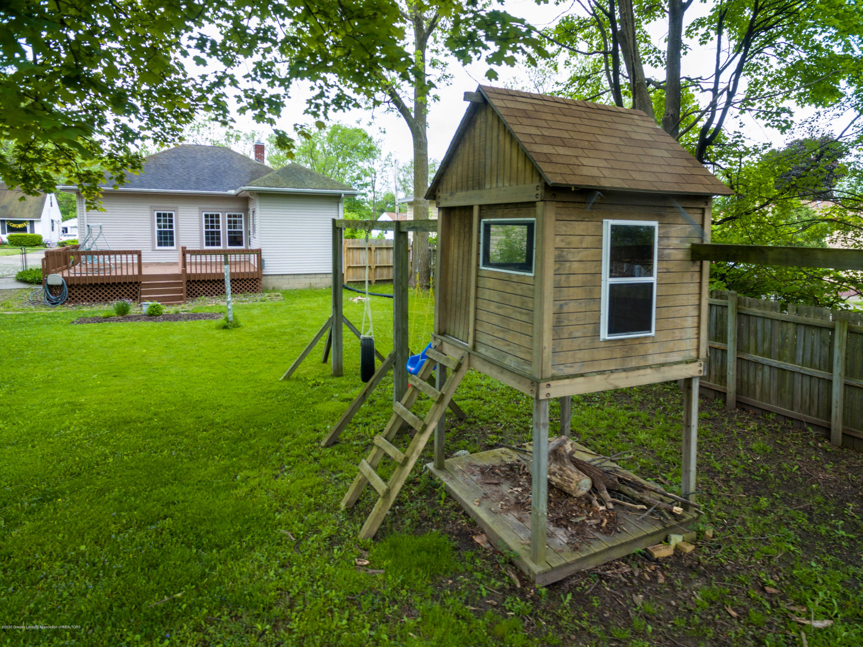 1531 Snyder Rd - Play Area Back Yard - 26