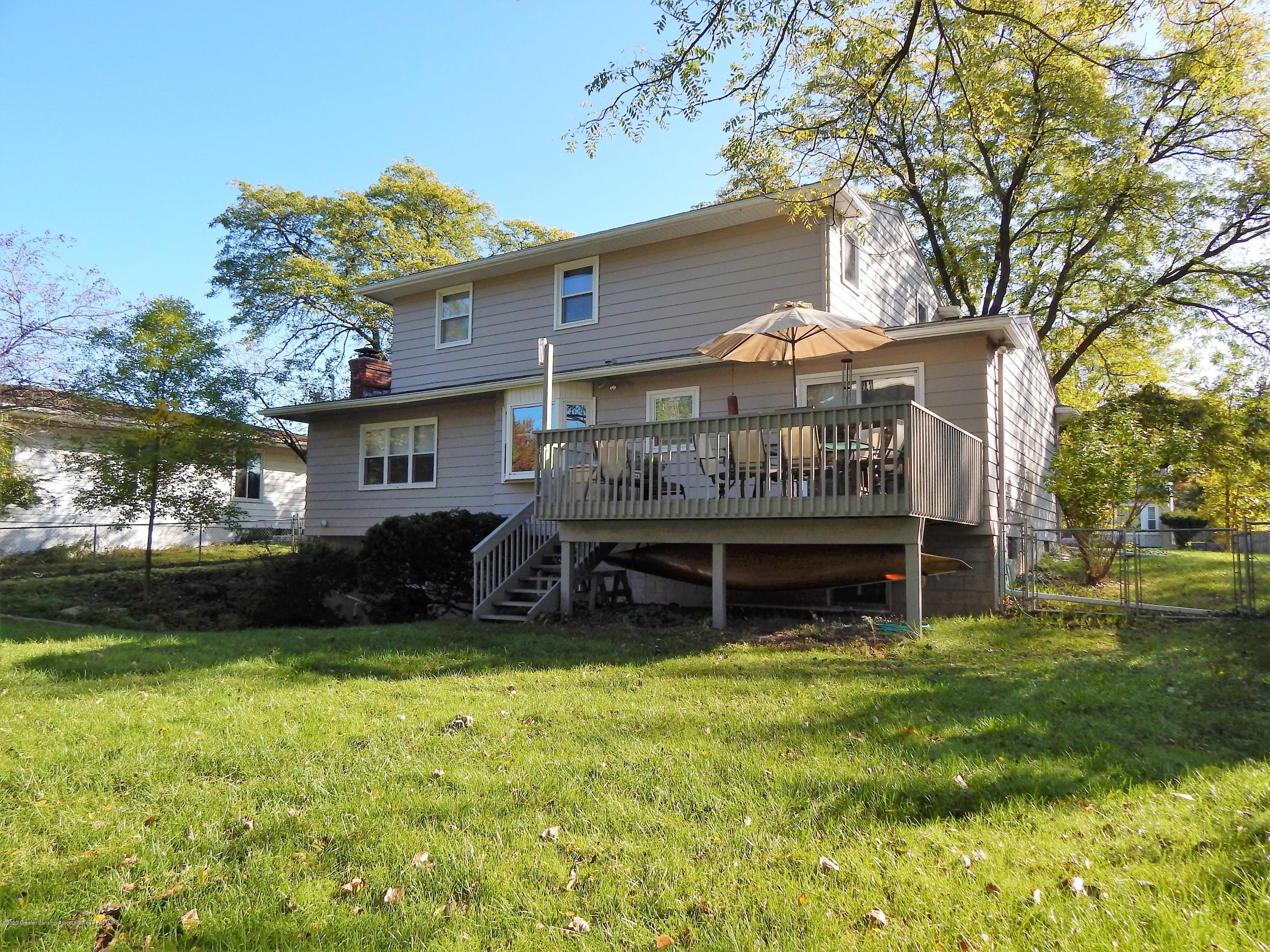 5435 Amber Dr - Deck and Bay Window - 38