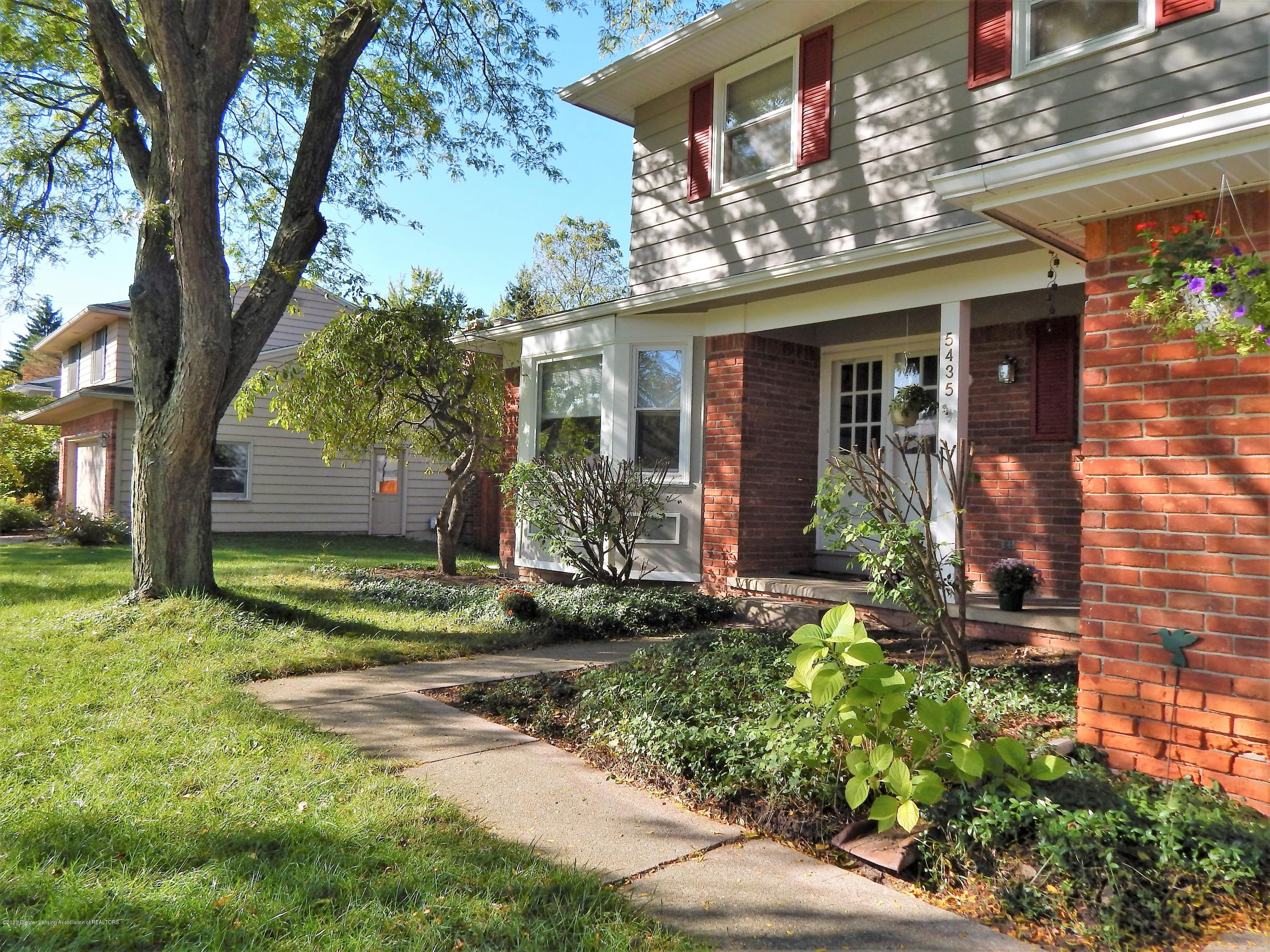 5435 Amber Dr - Brick Frontage - 3