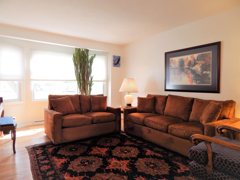 5435 Amber Dr - Living Room - 8