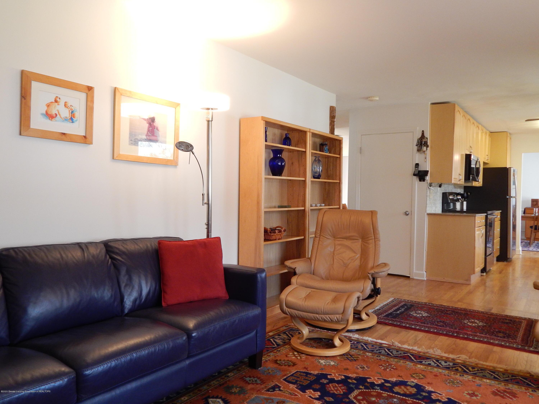 5435 Amber Dr - Family Room - 21