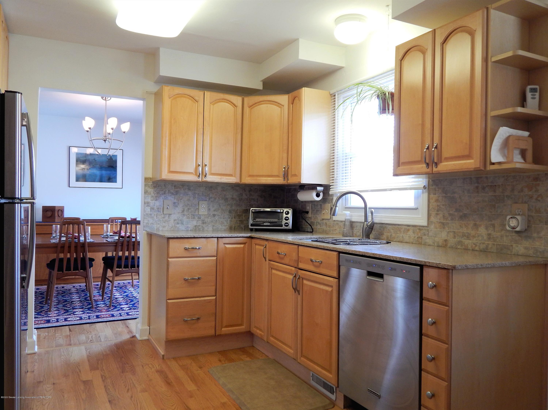 5435 Amber Dr - Kitchen - 17