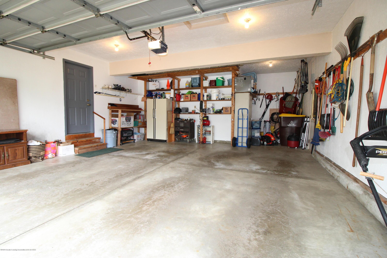 808 Powderhorn - 20. Large garage with storage - 25