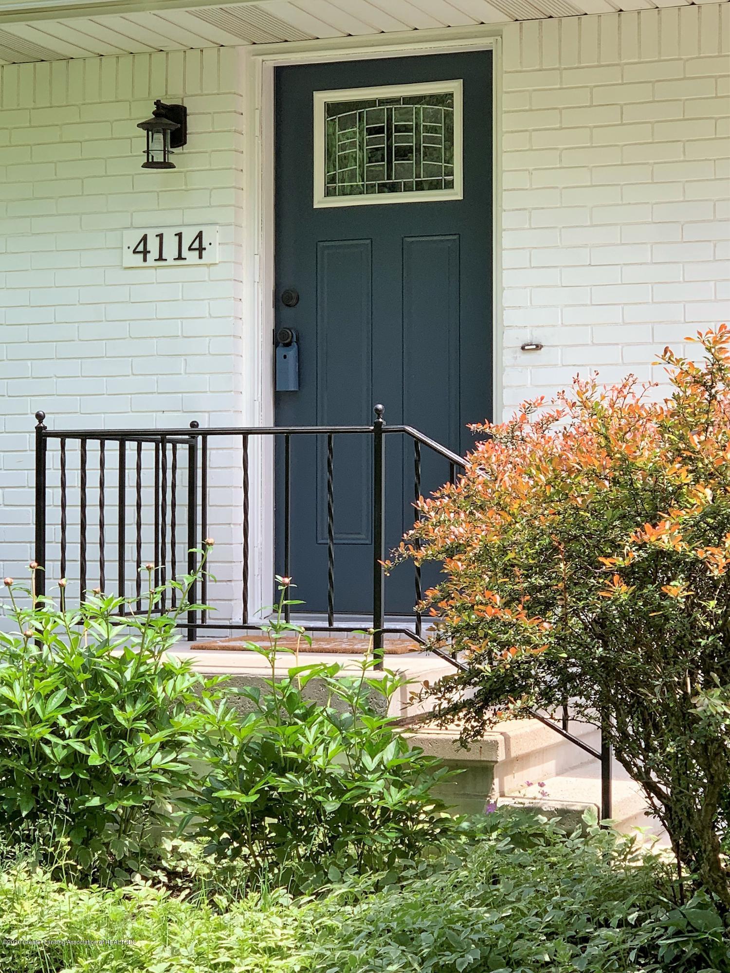 4114 Wabaningo Rd - front door - 37