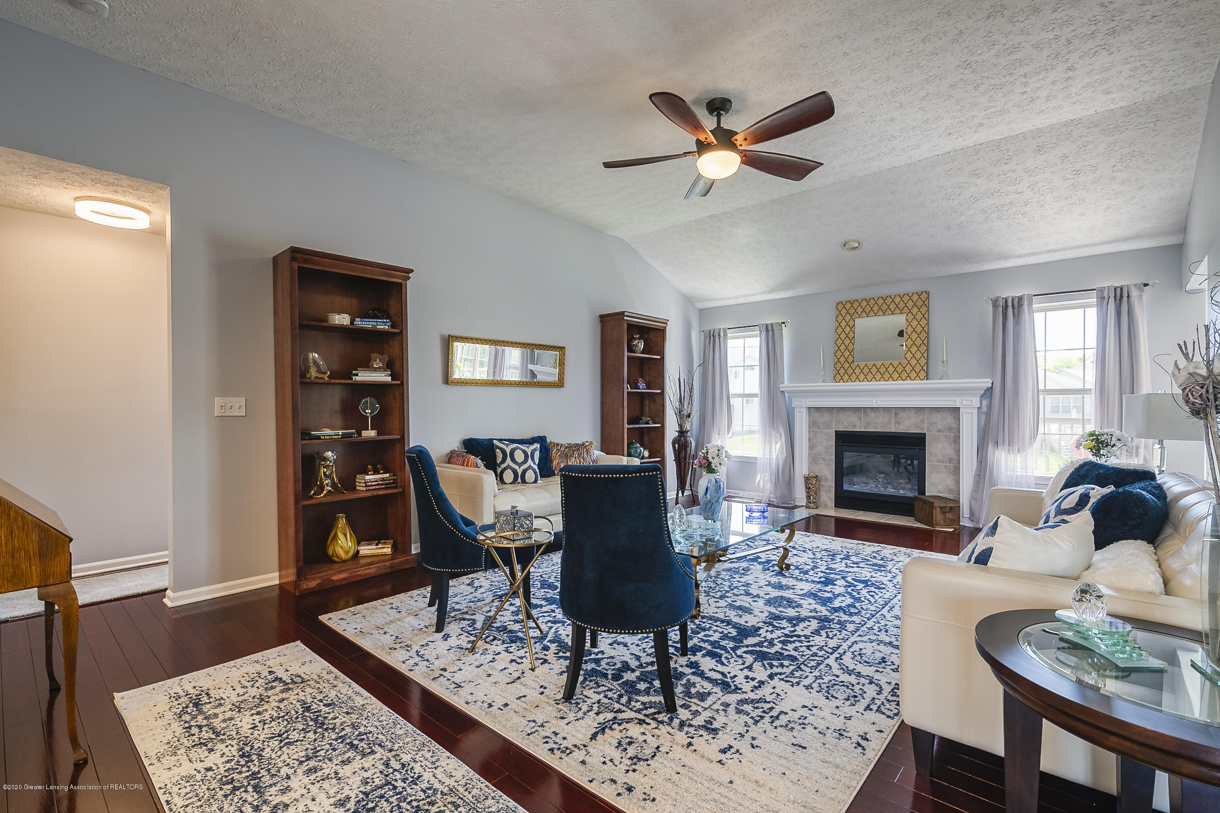 4092 Pheasant Run - LIVING ROOM - 5