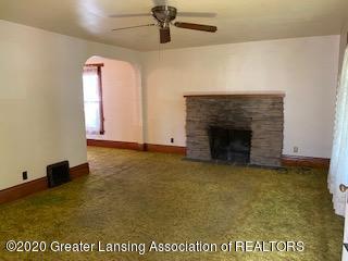 223 W Barnes Ave - Living Room - 7
