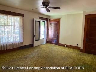 223 W Barnes Ave - Living Room Entrance - 6