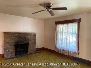 223 W Barnes Ave - Living Room - 8