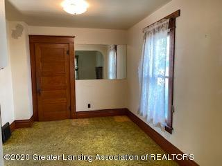 223 W Barnes Ave - Dining Room - 10