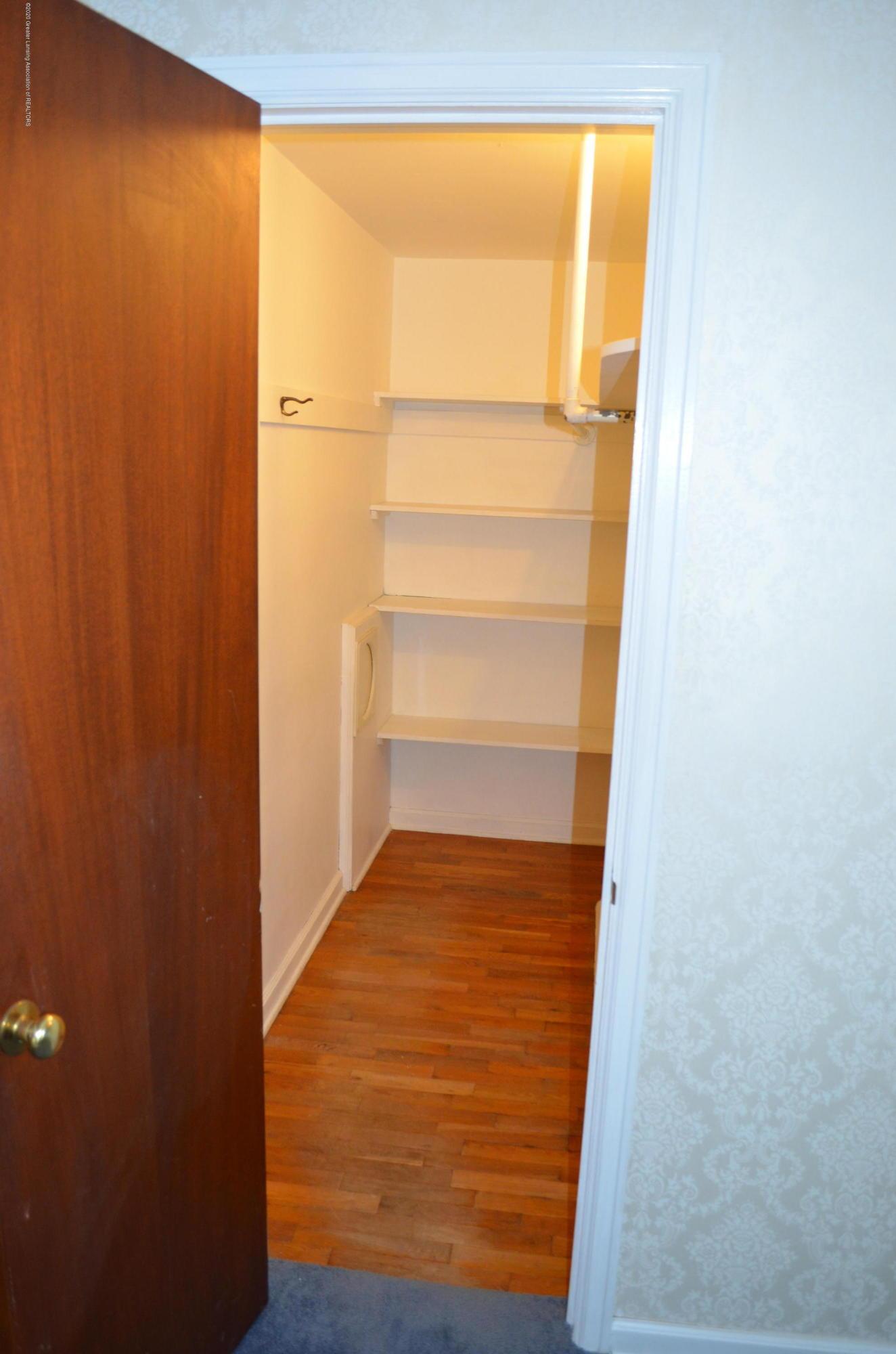 615 Bailey St - Master Walk In Closet - 24