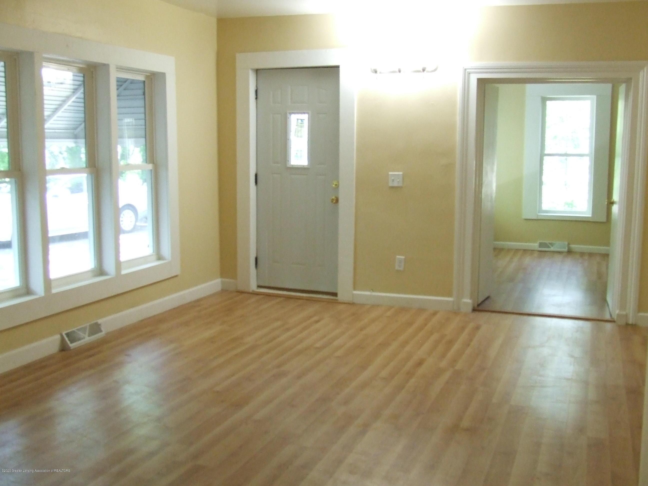 610 N Deerfield Ave - Living room - 5