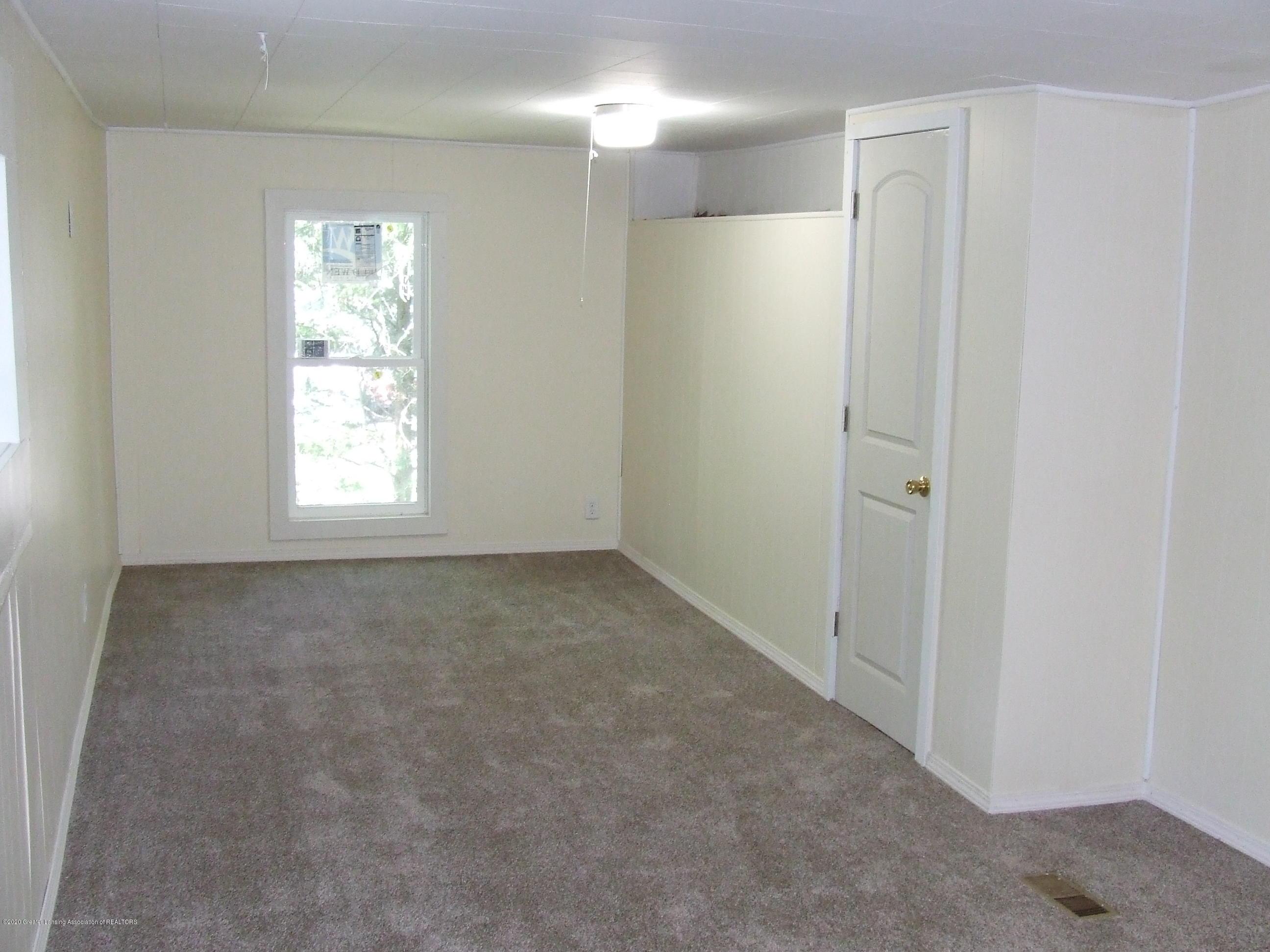 610 N Deerfield Ave - Family room - 11