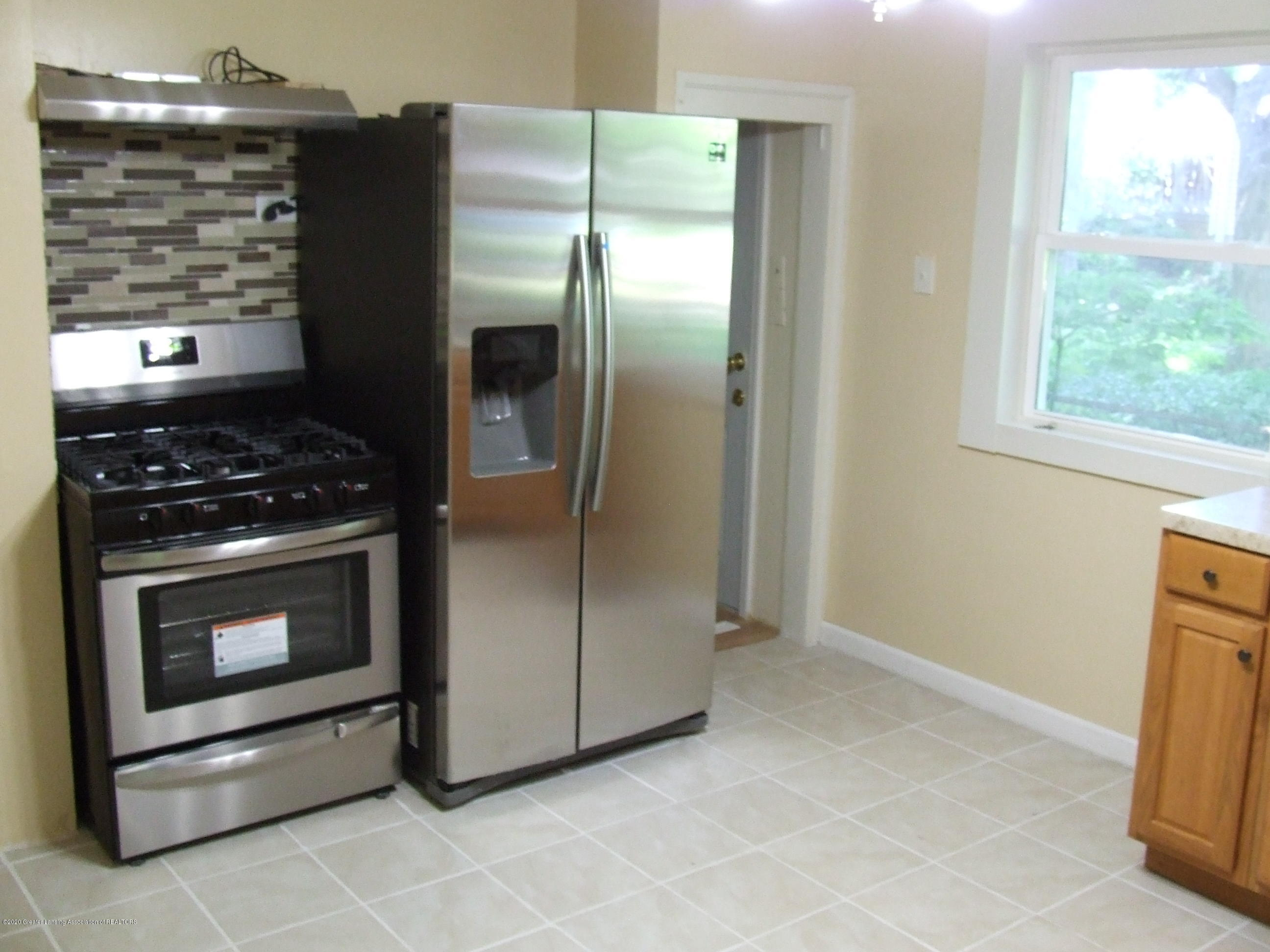 610 N Deerfield Ave - Kitchen - 3