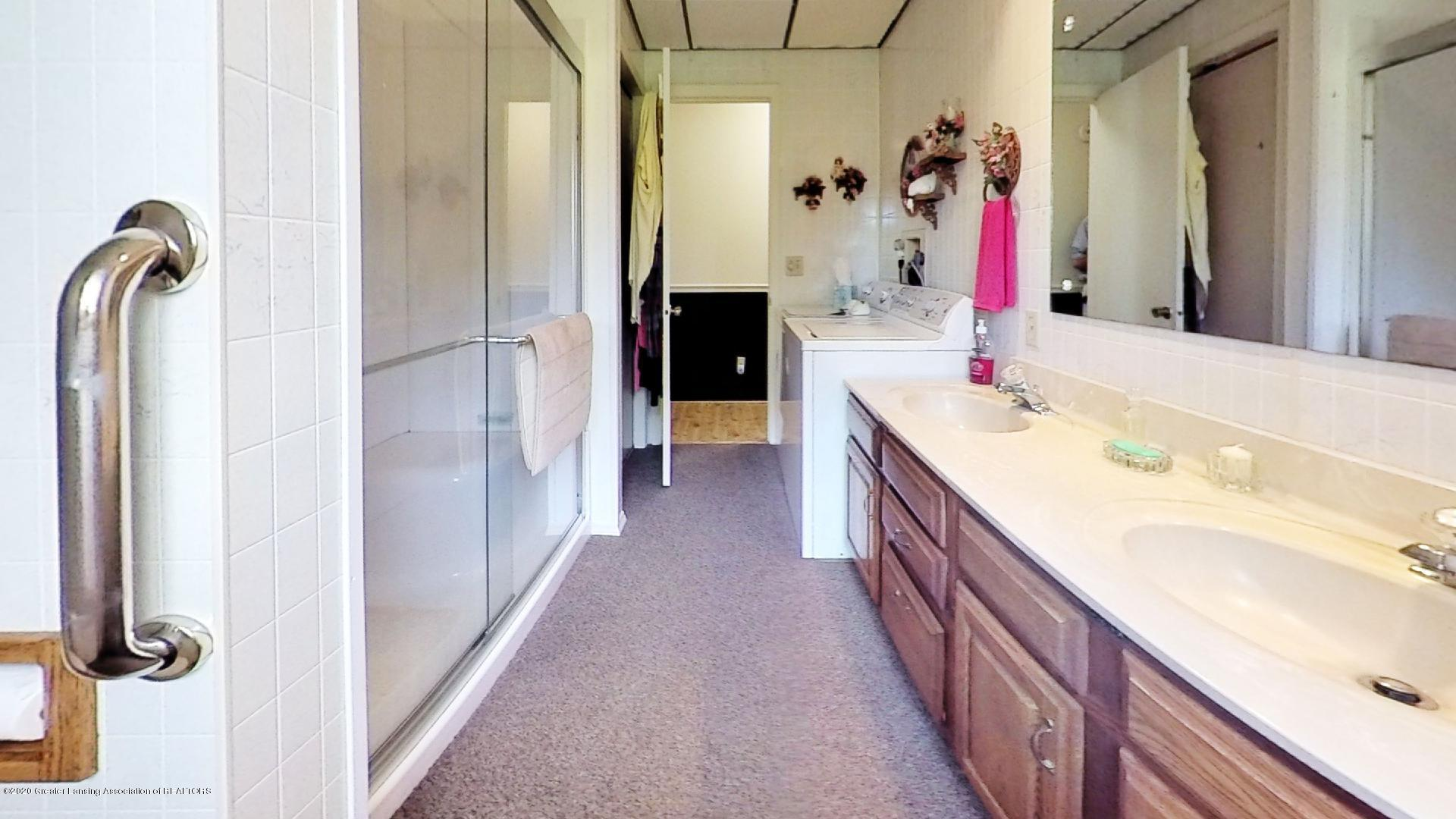 2122 N Canal Rd - Canal-Rd-Bathroom - 15