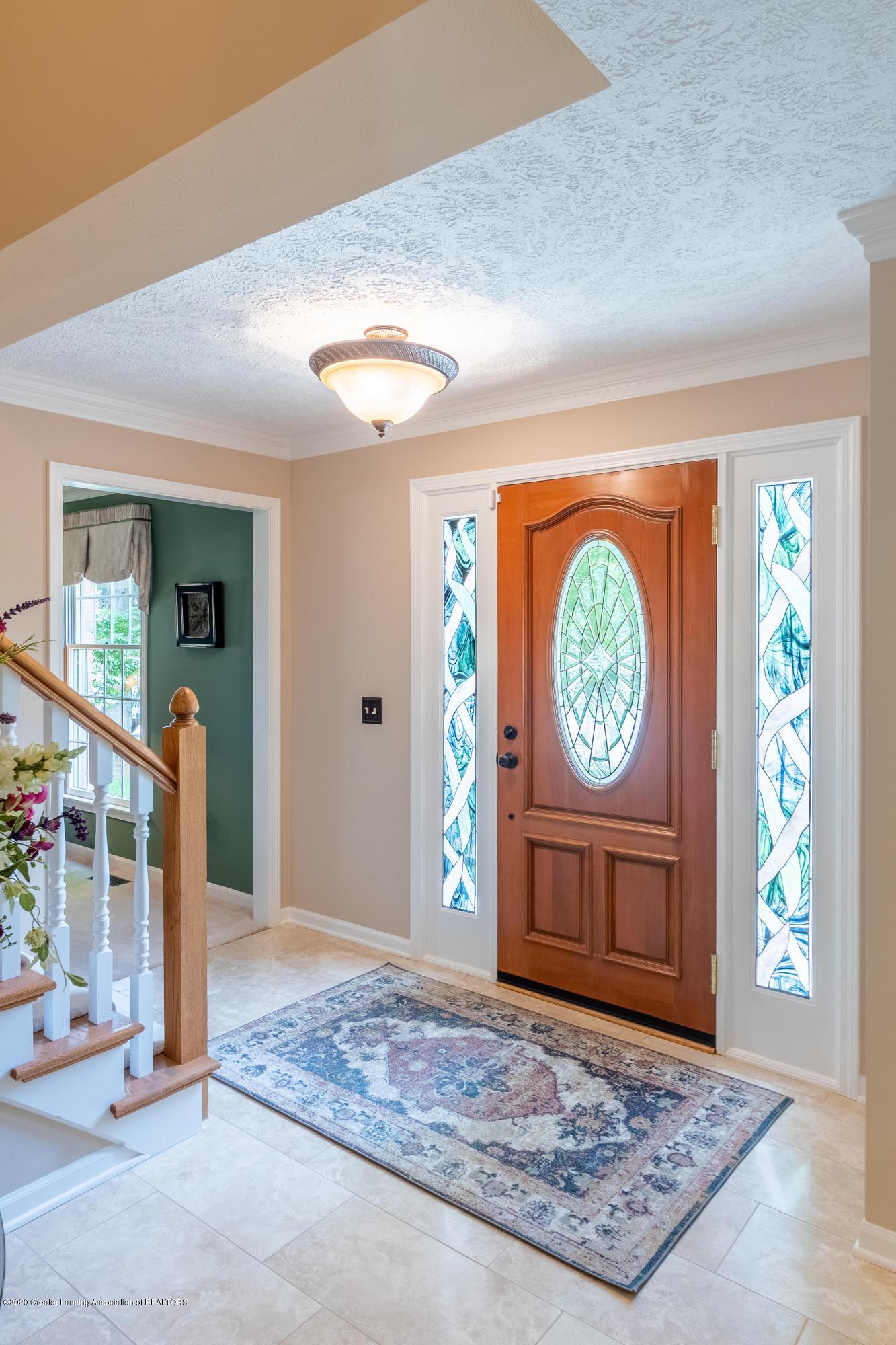 4221 Sandridge Dr - Foyer - 9