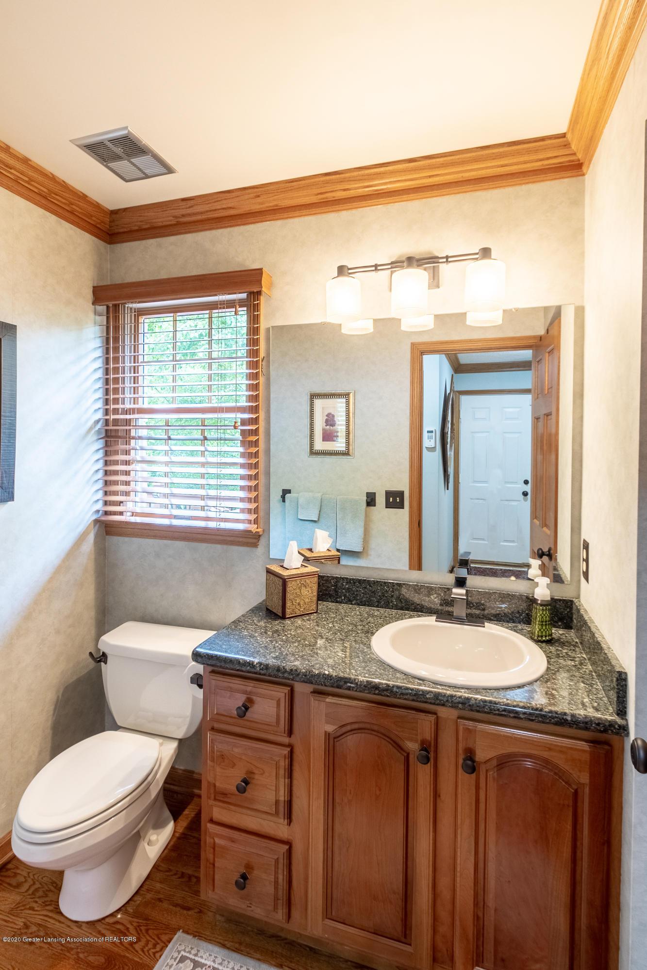 4221 Sandridge Dr - Bathroom - 30