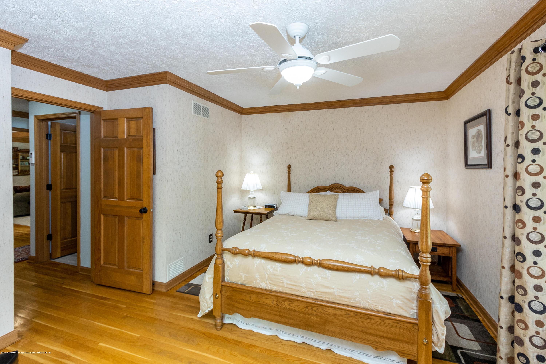 4221 Sandridge Dr - Bedroom 1 - 32