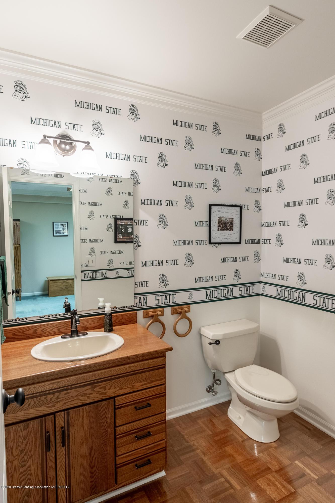 4221 Sandridge Dr - Bathroom - 40