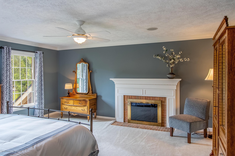 4221 Sandridge Dr - Master Bedroom - 43