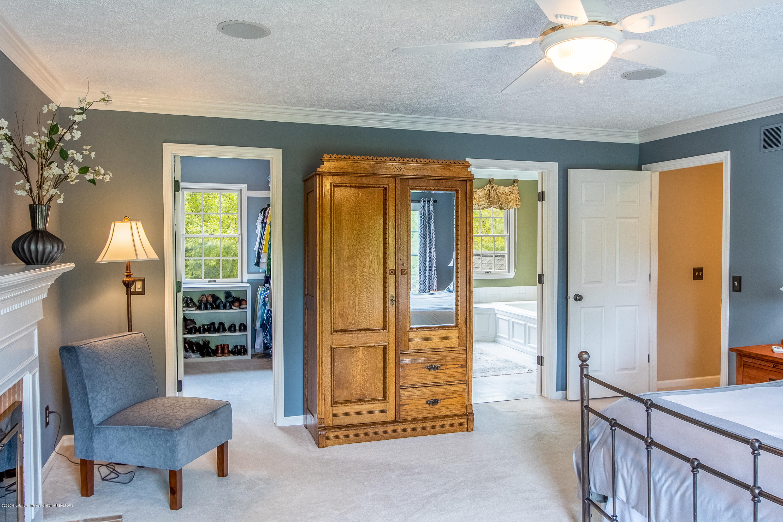 4221 Sandridge Dr - Master Bedroom - 45