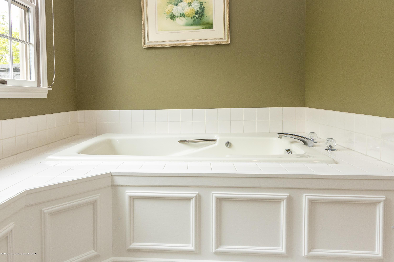 4221 Sandridge Dr - Master Bathroom - 48