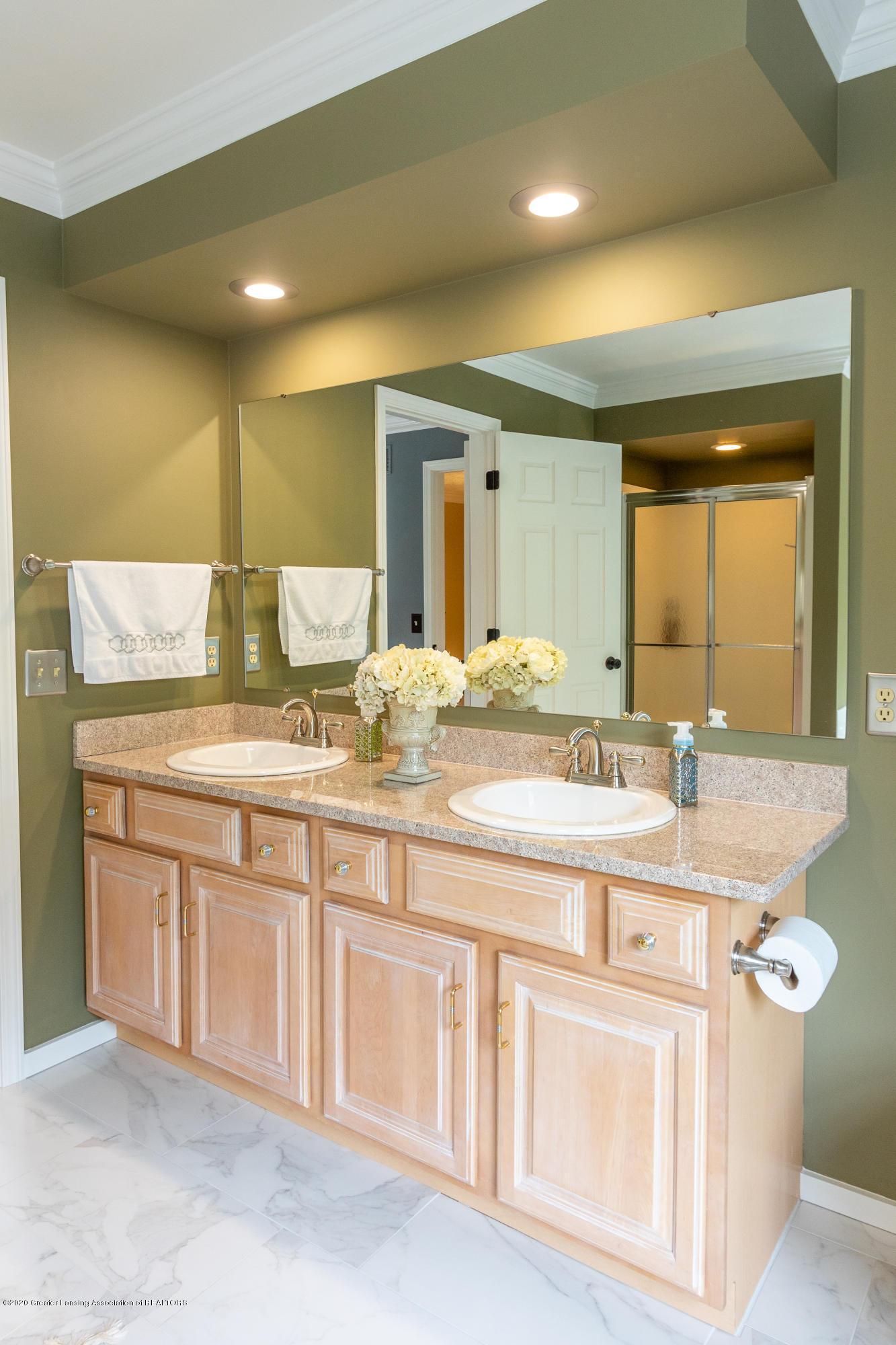 4221 Sandridge Dr - Master Bathroom - 49