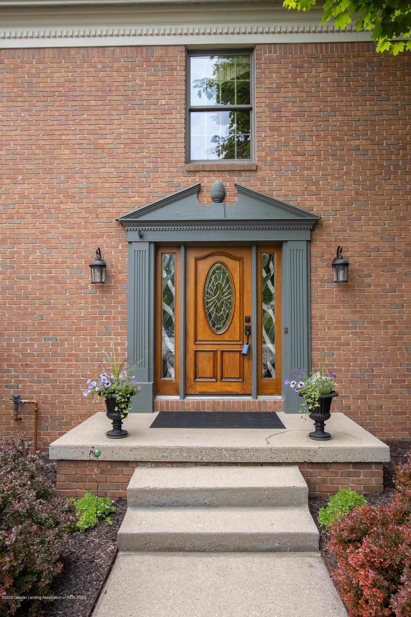 4221 Sandridge Dr - Front Entrance - 8