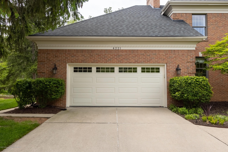 4221 Sandridge Dr - Garage View - 7