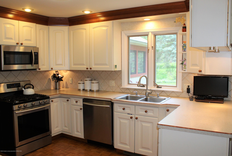 3599 W Arbutus Dr - Kitchen - 16