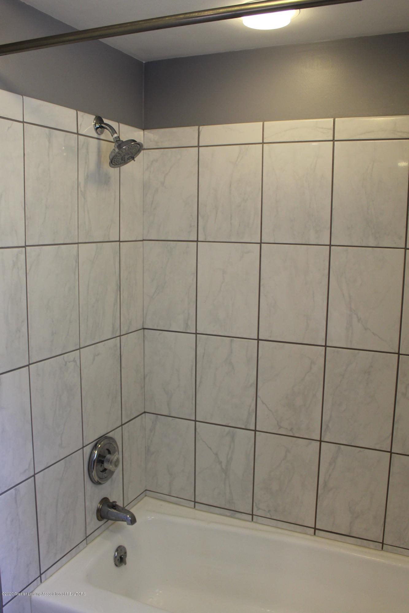 3599 W Arbutus Dr - Full Bath Tiled Shower - 34