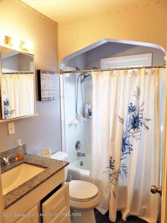 1319 Kelsey Ave - Bathroom - 15