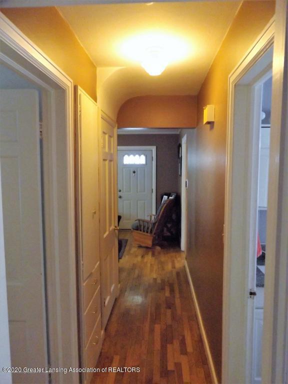 1319 Kelsey Ave - Hallway - 14