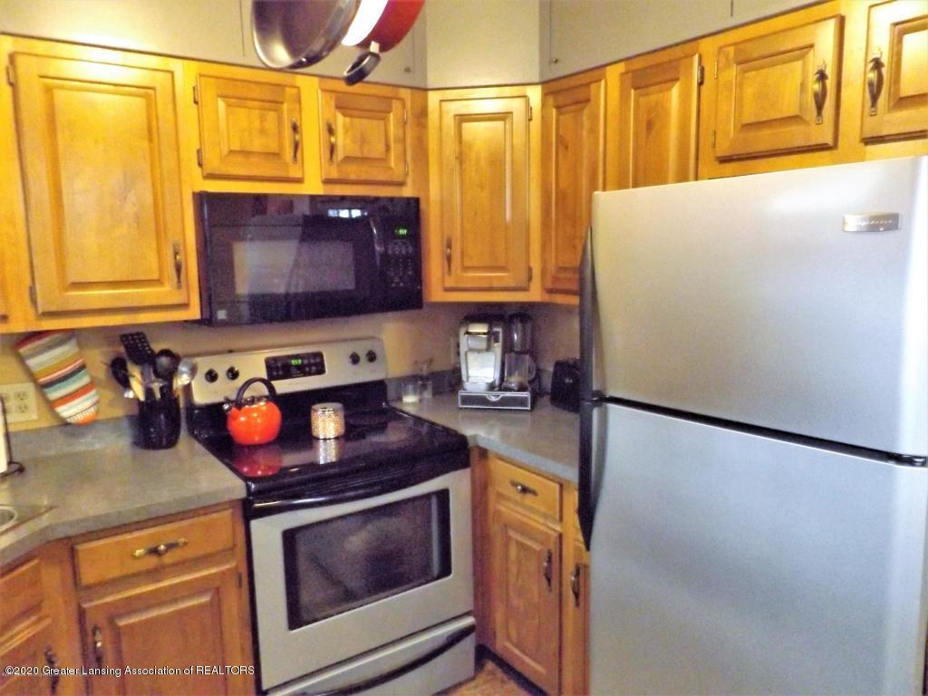 1319 Kelsey Ave - Kitchen - 10
