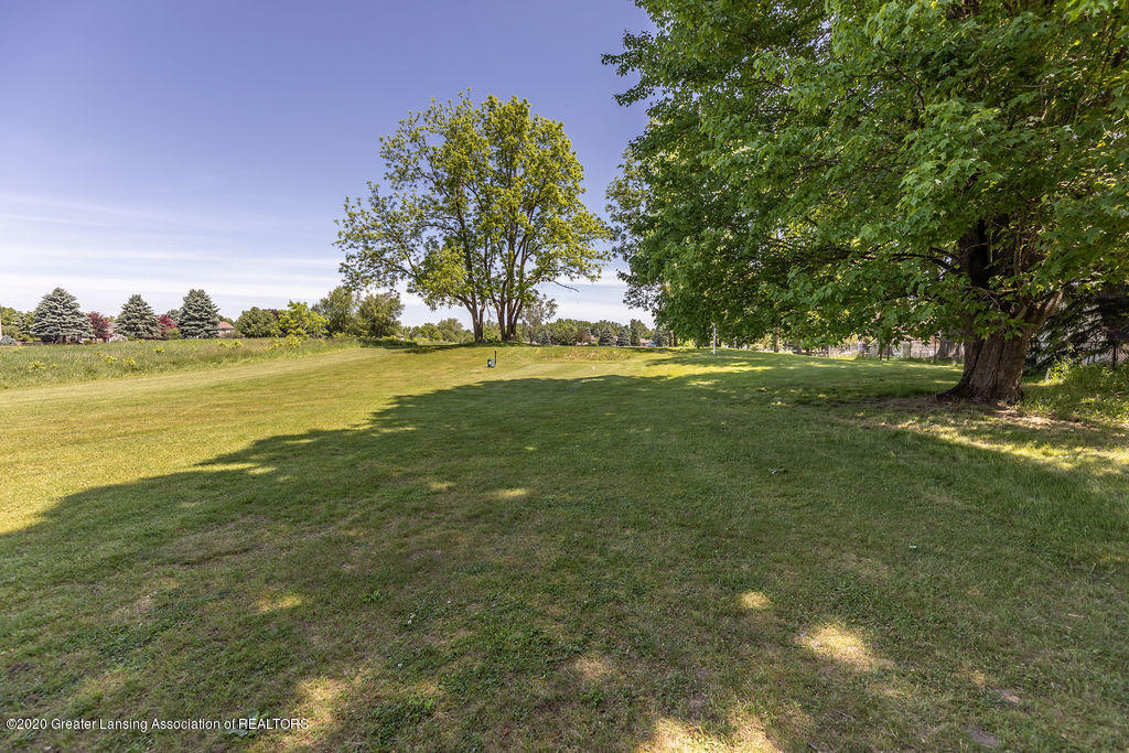 5835 Green Rd - Yard into Course - 10