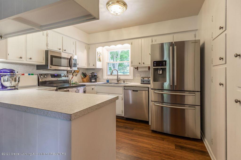 5835 Green Rd - Kitchen - 16