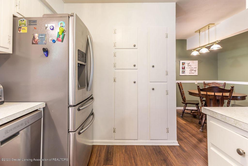 5835 Green Rd - Kitchen - 18