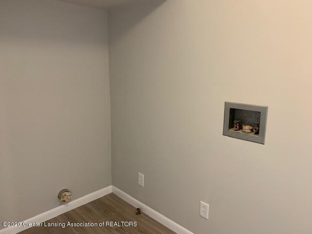 3604 S Dewitt Rd - IMG_6910 - 5