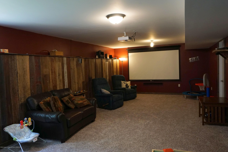 9720 Jason Rd - Family Room - 29