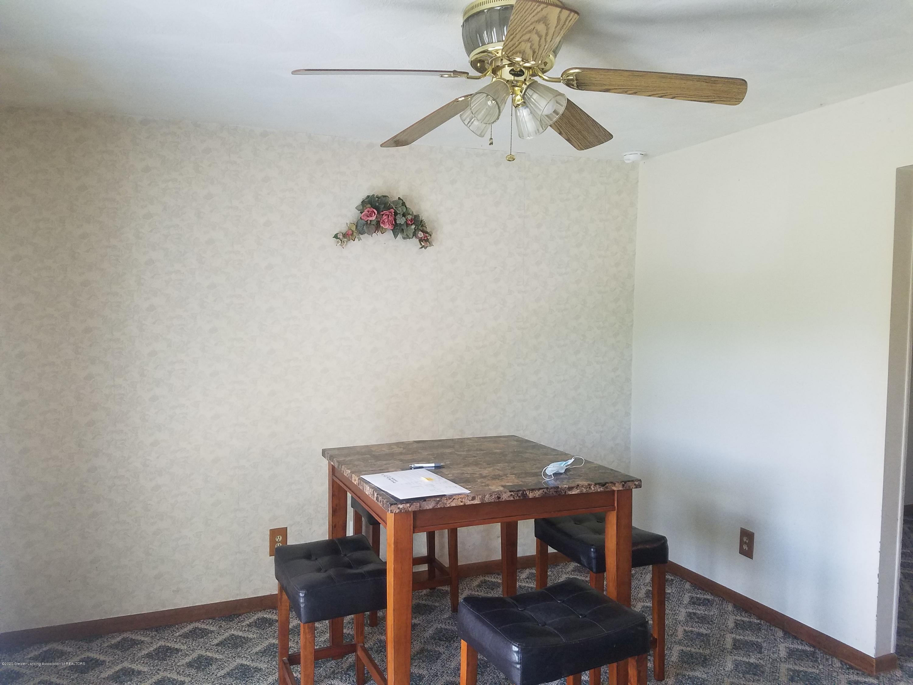 5480 E Bellevue Hwy - DINING ROOM - 22