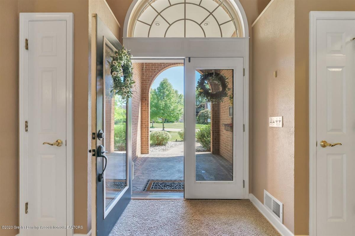 904 Sandhill Dr - Front Entrance - 6