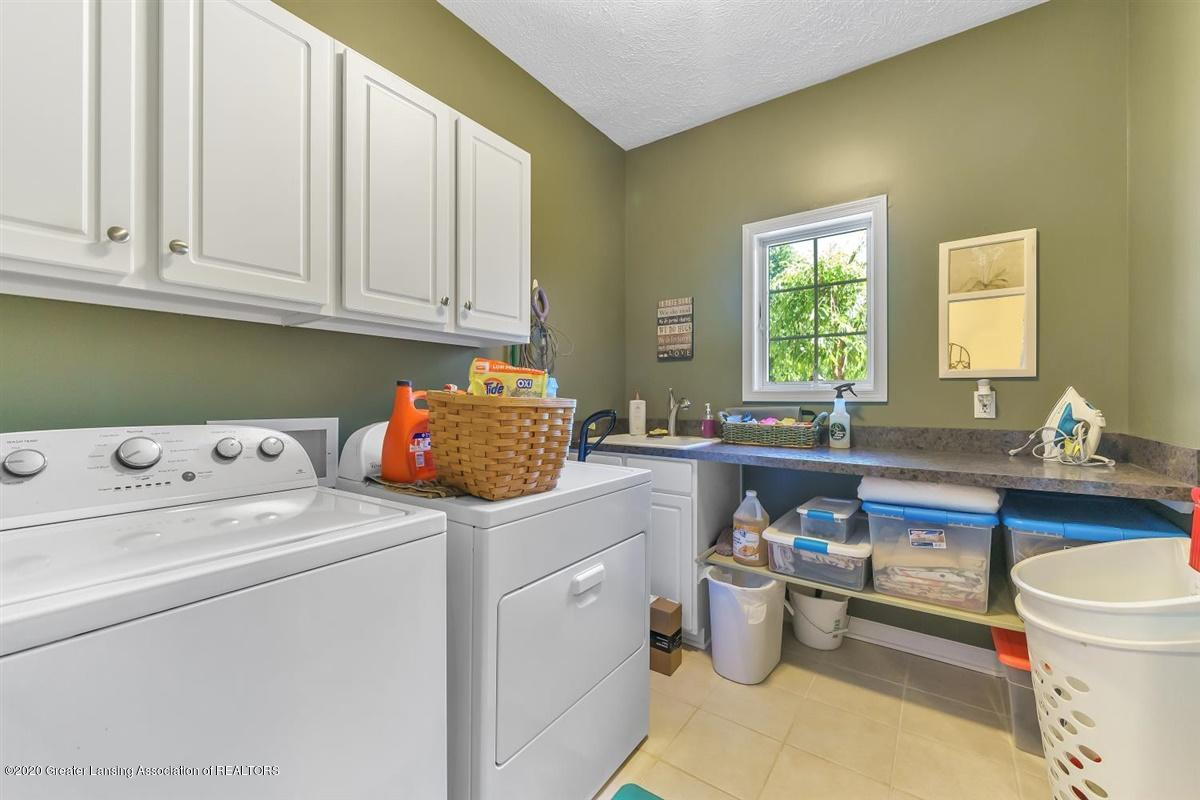 904 Sandhill Dr - First Floor Laundry - 30