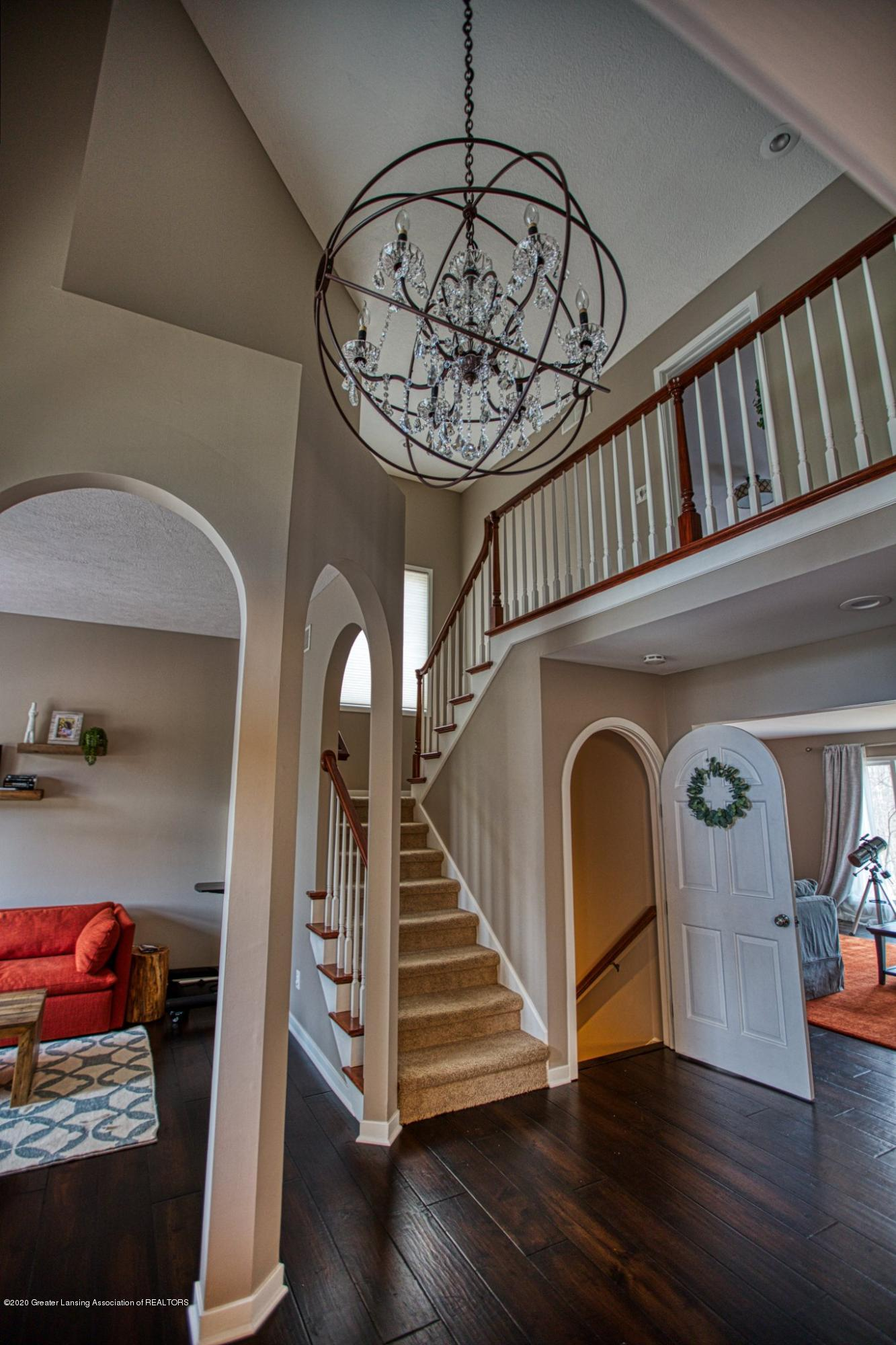 3668 Fairhills Dr - Foyer - 14